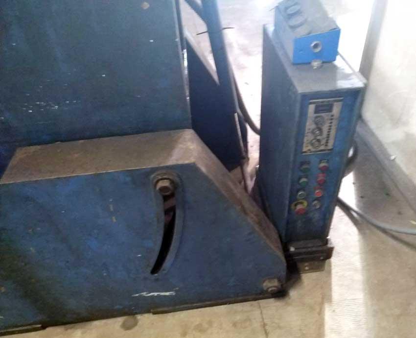 Prensa excéntrica de embrague neumático, BELT, 63TN. Detalle