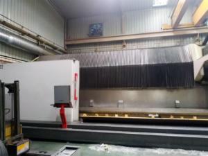 desmontaje de fresadoras de alta velocidad, movimiento de maquinaria.