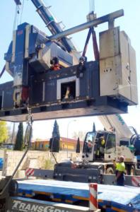 Movimiento de maquinaria pesada industrial